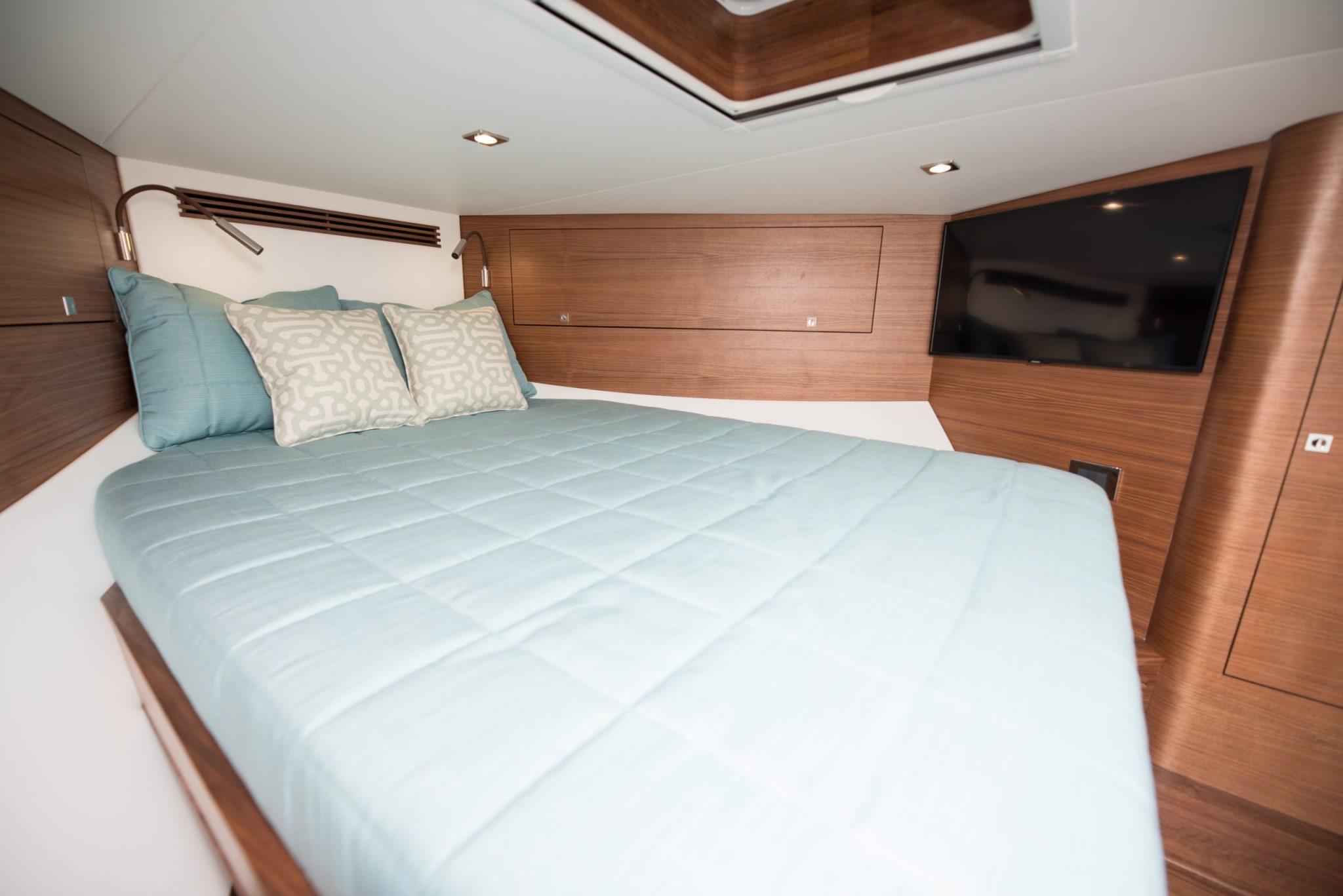 bed in boat
